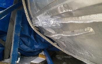 Повреждения алюминиевой лодки