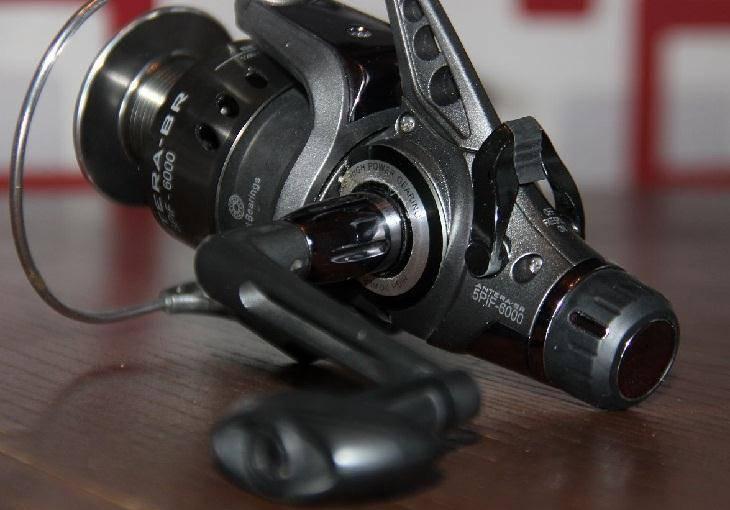 Рыболовные катушки с байтранером
