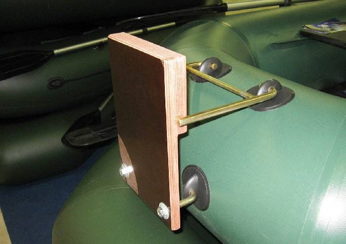 Транец для мотора на резиновой лодка